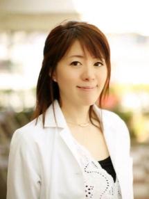 アラガン社認定医取得の女性医師
